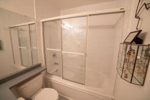 19 Washroom 2