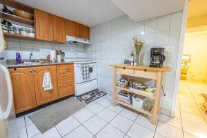 44 Lower Kitchen