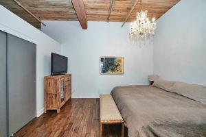 9 Bedroom