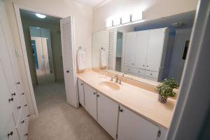JA 75 Wynford Heights Cres Unit 2501 25 2nd Washroom 2